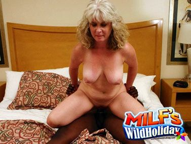 Milfs Wild Holiday videos